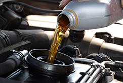 Tipos de óleo para o motor do seu carro e a importância em utilizá-lo