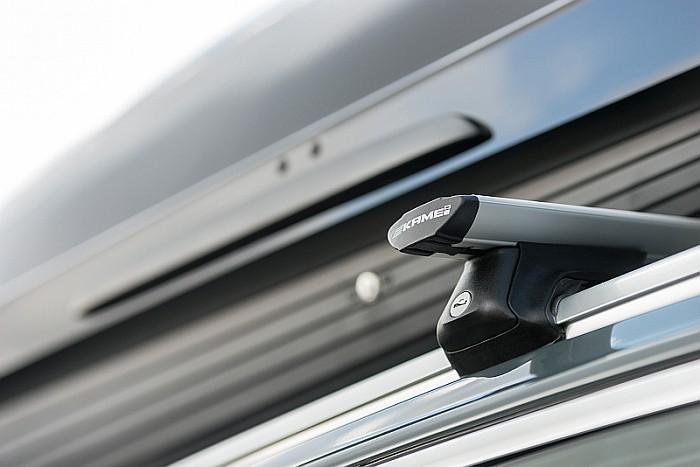 Homologação TUV das barras de tejadilho. Sistema de homologação garantido pela Feu Vert