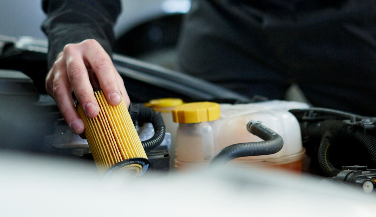 Tipos de filtros automóvel: filtro de óleo, filtros de combustível ou de ar condicionado