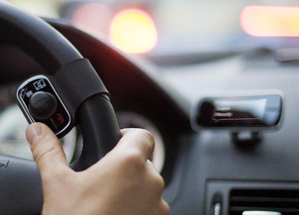 Vantagens em utilizar um kit mãos-livres no seu carro