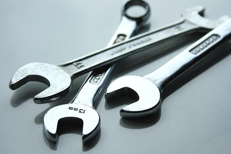 Listado de herramientas indispensables en tu coche